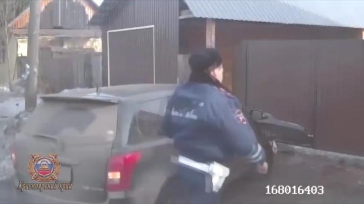 Взял машину у отчима: в Курагино 14-летний подросток устроил погоню с полицией