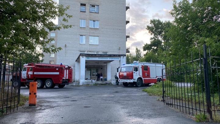 В больнице имени Вагнера загорелся электрощит. Пришлось эвакуировать пациентов
