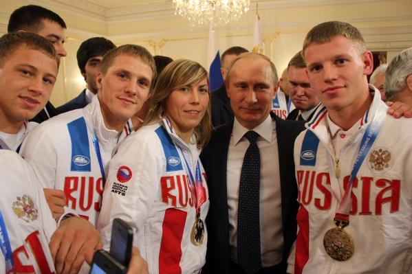 Александра Иванова в 2013 году была приглашена на встречу с Путиным. Друзья спрашивают теперь: «Чего не поговорила с ним насчет жилья?»