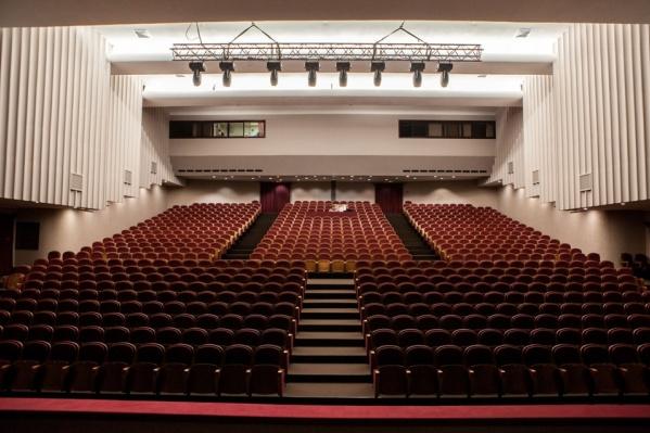 Музыкальный театр объявил приостановлении спектаклей
