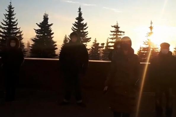 Преподаватели художки в Уфе спели гимн России для чиновников правительства Башкирии