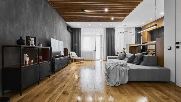 В высотке на берегу Оми выставили на продажу квартиру в стиле минимализм за 17 миллионов