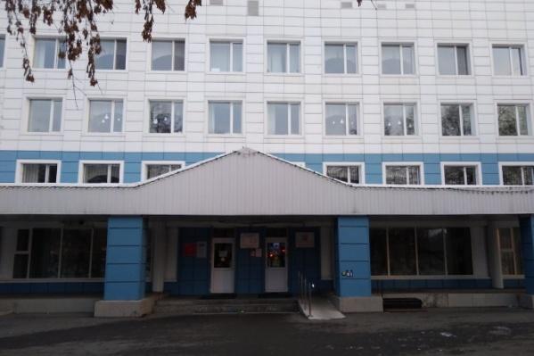 Со слов очевидцев, скандалисты без масок, которые сегодня заявились в поликлинику № 2, собираются посетить и другие тюменские больницы