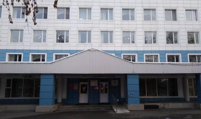 Тюменцы устроили скандал в поликлинике. Они не хотят носить маски