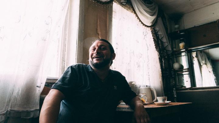 На кухне у ромалэ: разговор по душам с сыном цыганского барона из Старого Кировска