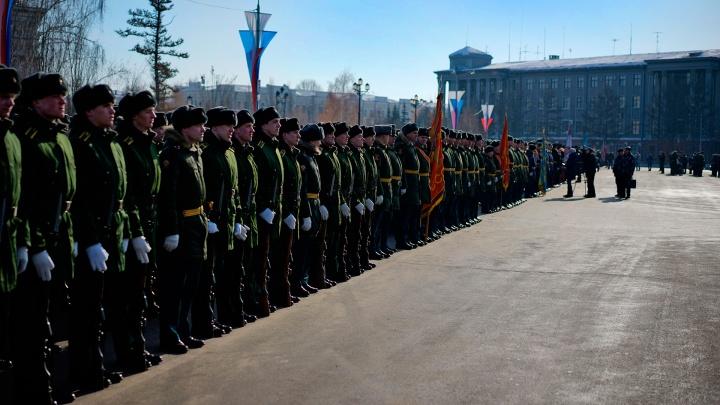 День защитника Отечества: всё о том, как проходит праздник в Омске