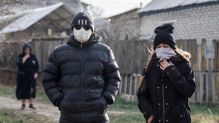 Больше всего в Волжском: чиновники составили на незаконно гулявших волгоградцев 123 протокола