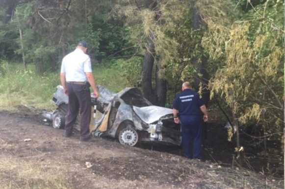 «За три минуты машина загорелась вместе с людьми внутри», — говорят очевидцы