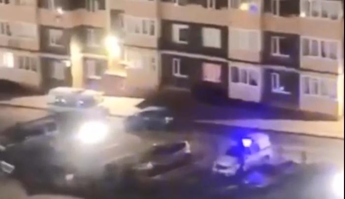 В Ростове на 37-й Линии мужчина выпал из окна многоэтажки