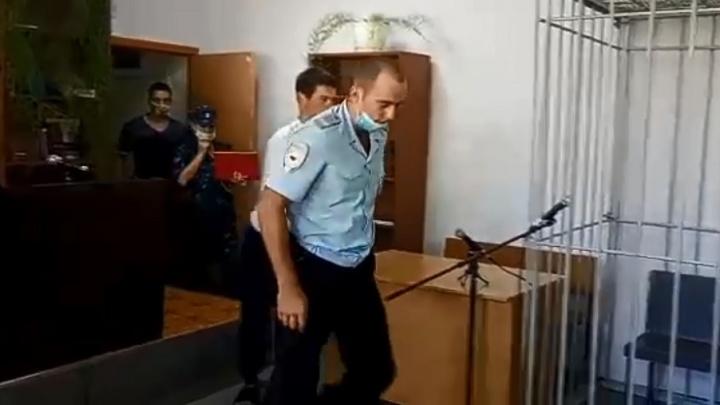 Сначала сбросил тело в овраг, утром перетащил в могильник: суд арестовал убийцу 17-летней девочки из Йошкар-Олы