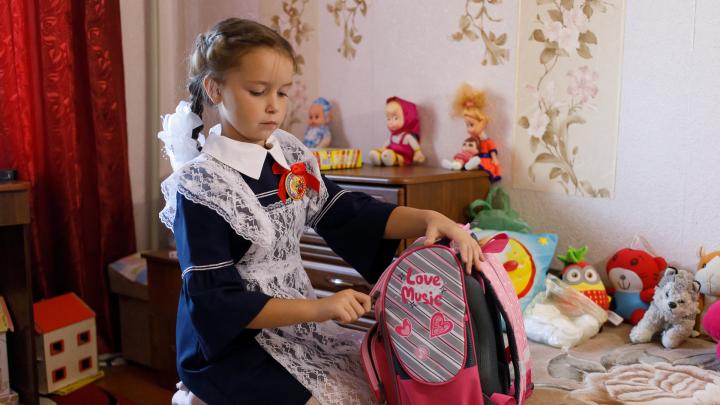 «Боялись, что в школу не пустят»: один день первоклассницы из посёлка под Волгоградом