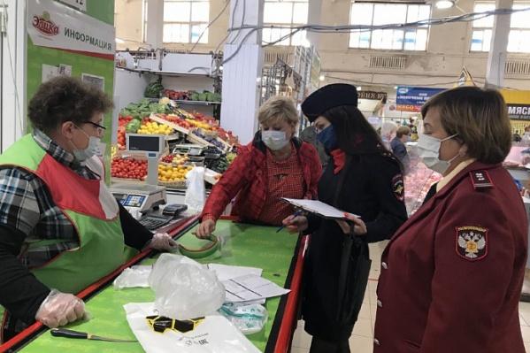 В Ярославле строго контролируют соблюдение масочного режима