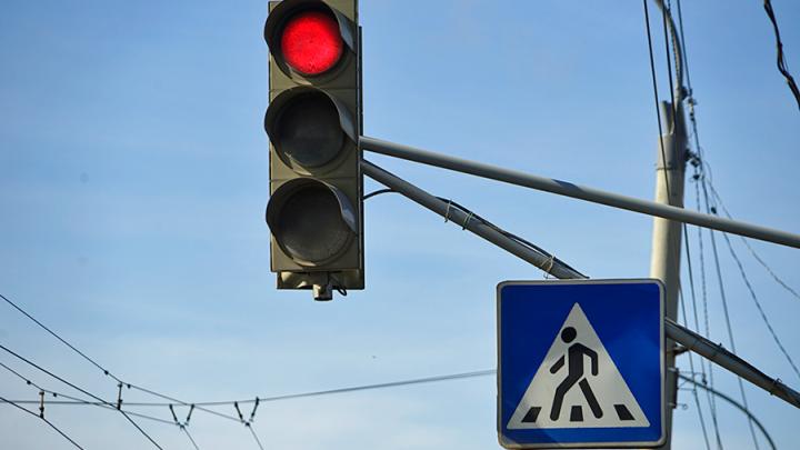 В Омске водителям вернули левый поворот к СКК имени Блинова