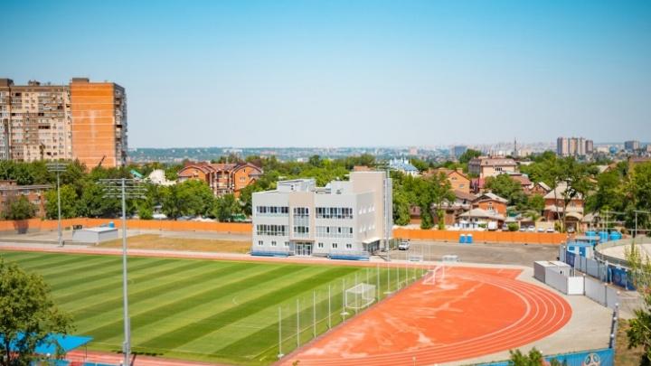 На стадионе «Локомотив» заменят натуральный газон на искусственный