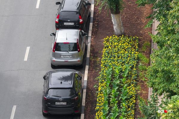 Если машины будут мешать службам благоустройства, то владельцам авто могут выписать штраф