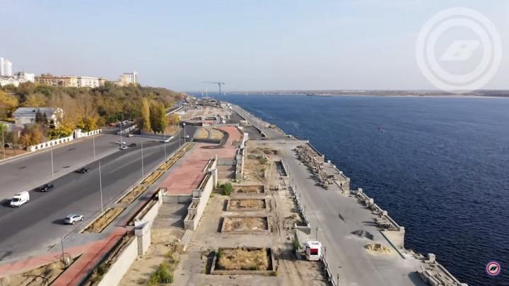 «Вгоняет в грусть размах полей плитки»: ремонт набережной Волгограда показали с высоты