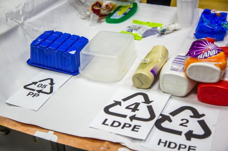 Пищевые контейнеры тоже относятся к пятому виду пластика