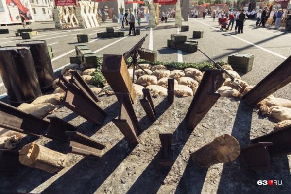 Площадь Куйбышева на две недели стала площадкой музея о войне под открытым небом