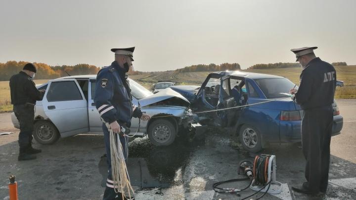 В ДТП на свердловской трассе пожилой водитель погиб в свой день рождения