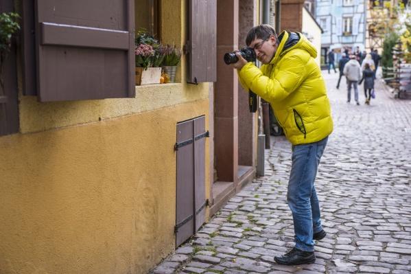 Артем Краснов считает, что для фотографов-любителей вроде него цифровая фотография несёт сплошные плюсы, а профессионалам она не мешает тем более