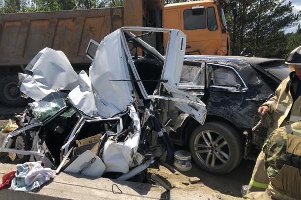 Водитель грузовика утверждает, что у машины отказали тормоза