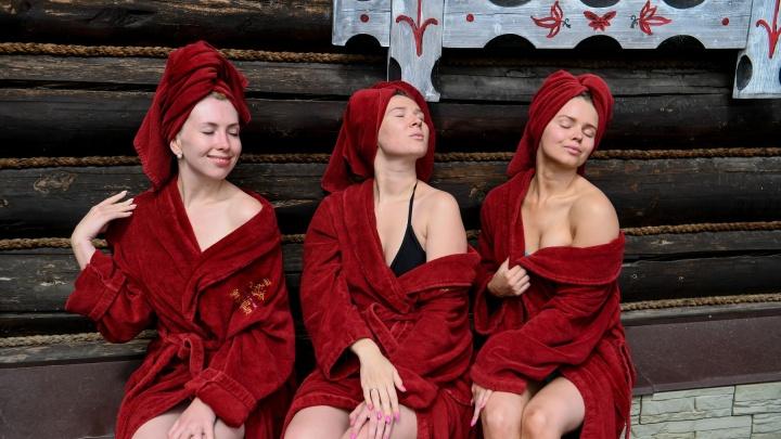 «Могли бы открыться, но сесть не хочется»: банщики Екатеринбурга — о четырех месяцах без работы