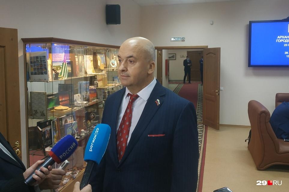 Ростислав Васильев считает, что главу Архангельска нужно избирать самим жителям