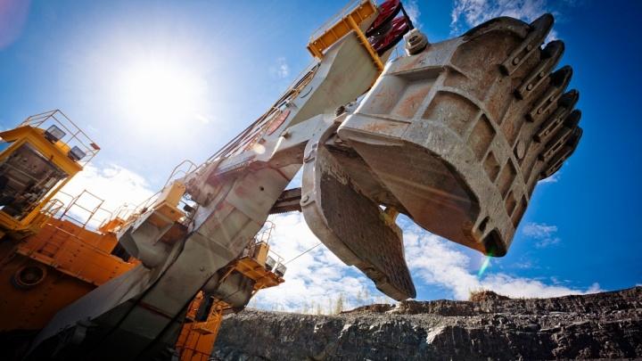 На кузбасской шахте произошло обрушение: один горняк погиб, трое в больнице