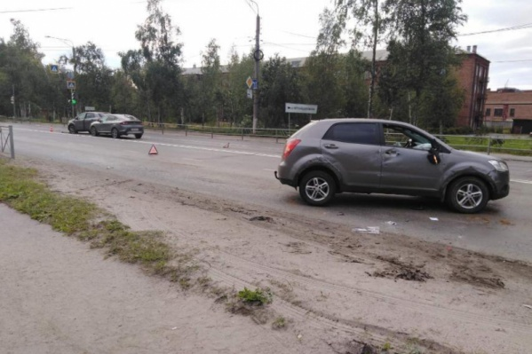 В аварии по вине водителя SsangYong пострадали еще два автомобиля