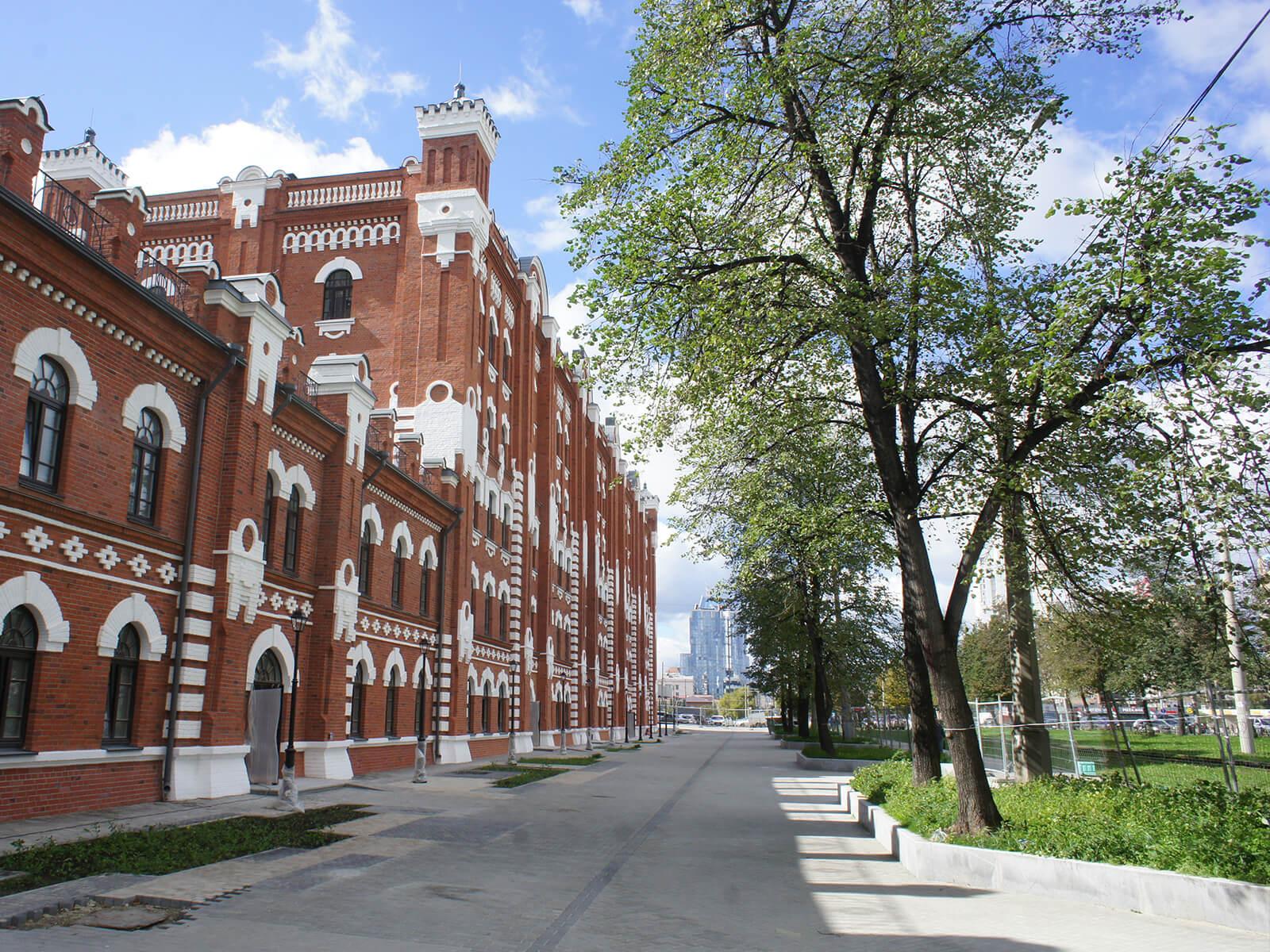 Фасад мельницы Борчанинова-Первушина со стороны ул. Челюскинцев