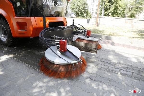 Для Челябинска закупили новую технику, отыграли миллиардные контракты, но местами улицы по-прежнему не убраны