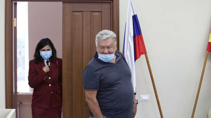 Главного онколога Челябинской области положили в больницу с подозрением на коронавирус
