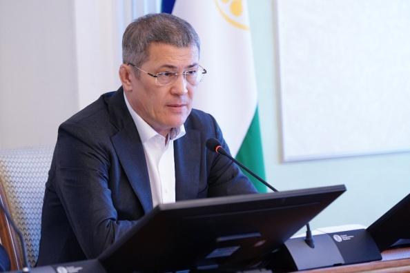 Глава Башкирии — о Пасхе: «Празднование совпало с борьбой человечества с коронавирусной инфекцией»