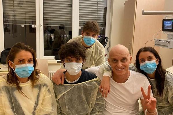 Олег Тиньков рассказал, что во время лечения от рака заразился коронавирусом