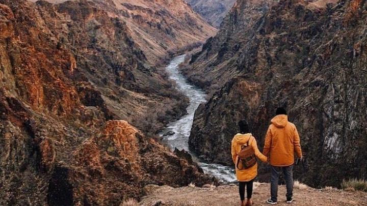 «Все модели тестирую на своей семье»: пермская альпинистка в декрете начала шить куртки и создала бренд «Север»