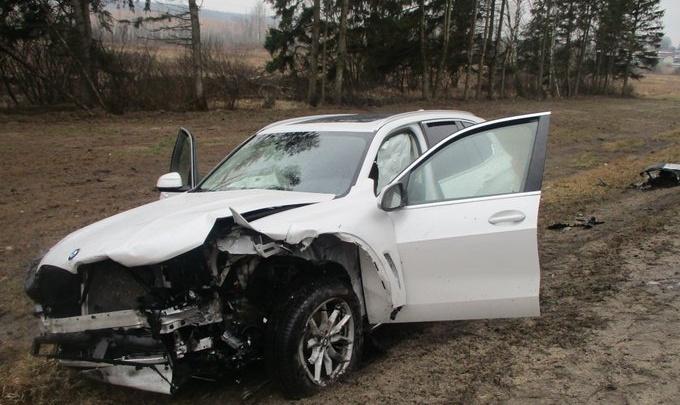 «Фольксваген» вылетел на встречку: в ДТП в Ярославской области погибла женщина