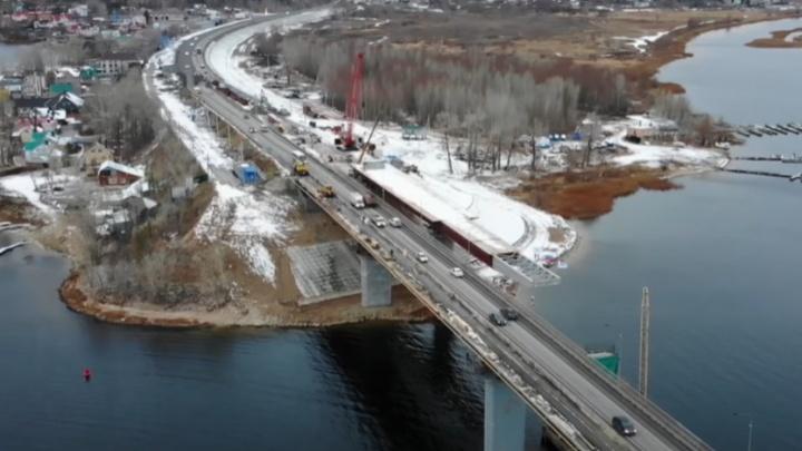Строители нового моста через Сок начали монтировать пролеты