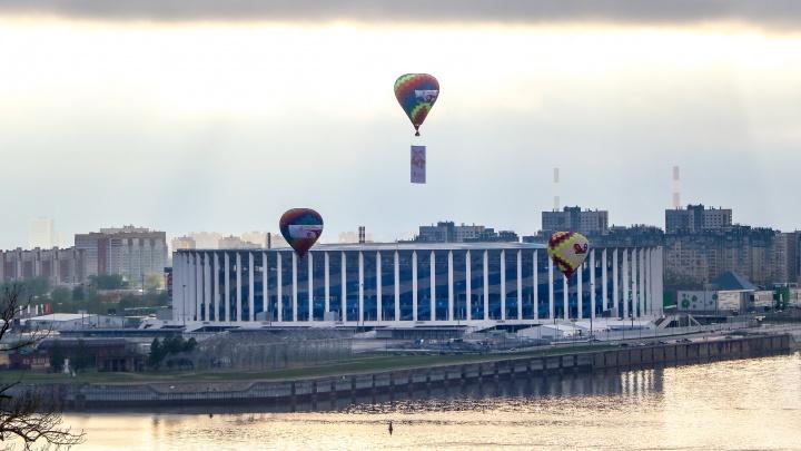 Нижегородцы устроили свой парад в небе: без истребителей, зато с воздушными шарами