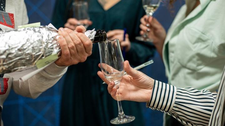 Какое шампанское купить на Новый год? Слепая дегустация 7 сухих игристых вин (победитель удивил)