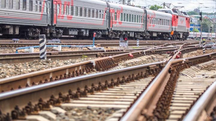 Смерть на железной дороге: в Самарской области два человека угодили под поезд
