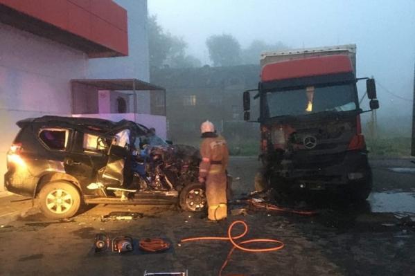 От удара больше пострадалаToyota, хотя и грузовику теперь придётся проходить ремонт