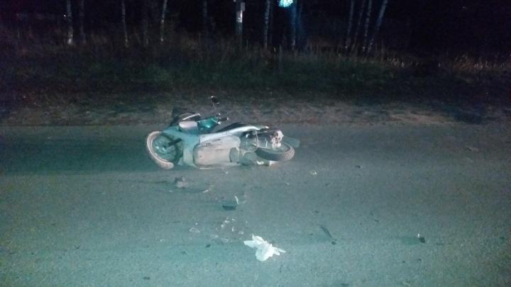 В Линде пьяная бабушка на мопеде врезалась в стоящую машину