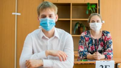 Красноярским школам рекомендовали после каникул уйти на дистанционку из-за коронавируса