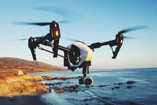 Опытные пилоты проводят обучение насовременных беспилотных летательных аппаратах