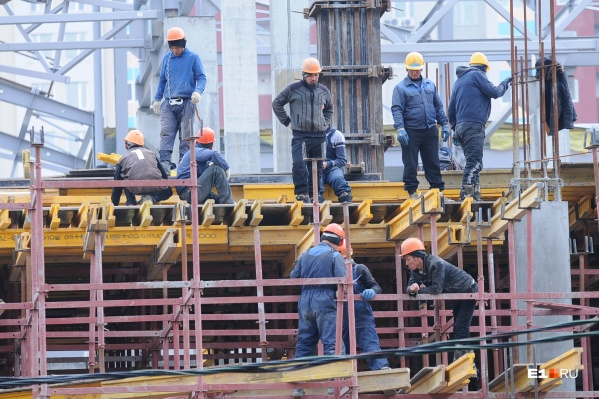 Официально трудоустроенные рабочие за травмы на стройке получают компенсации. За этим следит «Гильдия строителей Урала»