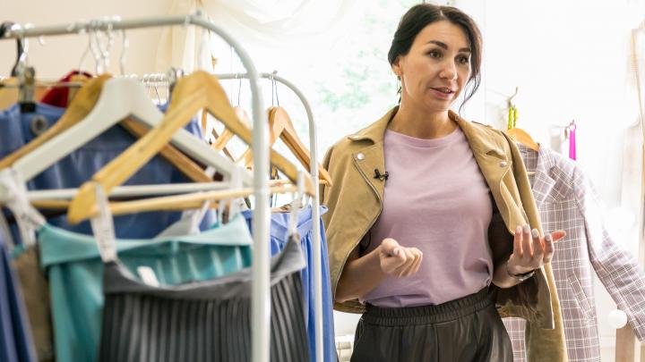 Маленький, но гордый бизнес: стилист запустила свою марку одежды и преуспела в кризис