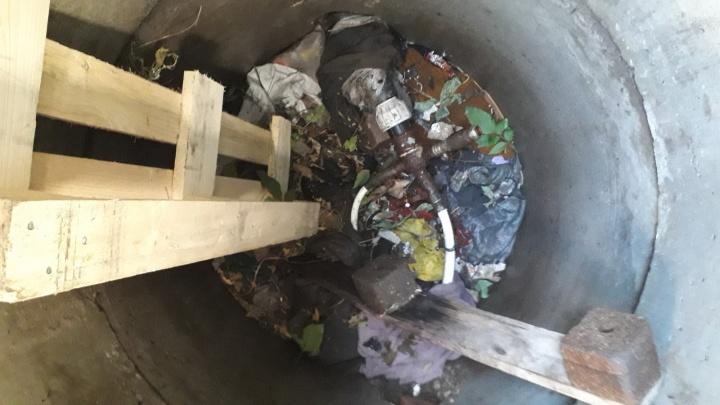 «Спрятал в мусоре»: самарец заплатит 80 000 рублей за скрытую водопроводную врезку