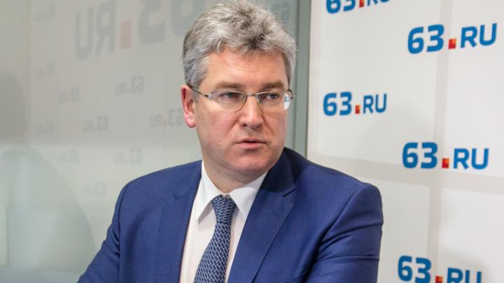 Глава правительства рассказал, сколько денег Самарская область потеряет из-за COVID