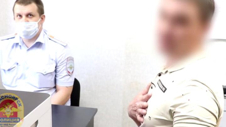«У женщины, которая сидела рядом, прошу прощения»: полицейские нашли агрессивного пассажира автобуса