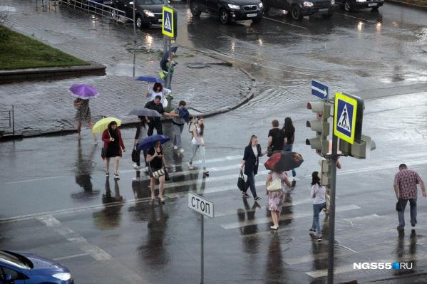 В области, кроме дождя и грозы, может также пройти и град